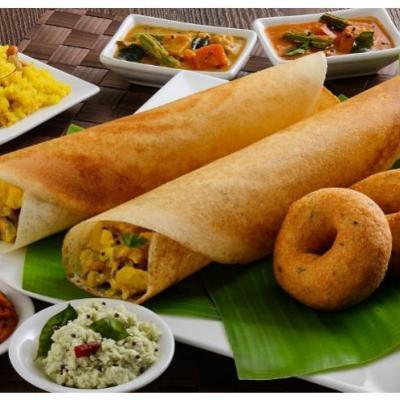 south indian dishes at Sree Vinayaka Pure Vegetarian in Kothamangalam
